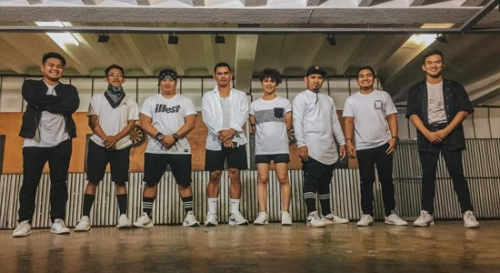 The PSAU HipHop Dancers comprised of (from left to right): Ericson Guiao, Jefferson Mesina, Odinell Cuyugan, Arvin Estoque, Bernardo Petil Jr., Mark Eivan Sigua, Patrick Castro, and Paul Derick Policarpio. The group bagged the 1st Runner Up in the recently concluded ASCU Summer Olympics held in Batac City, Ilocos Norte.